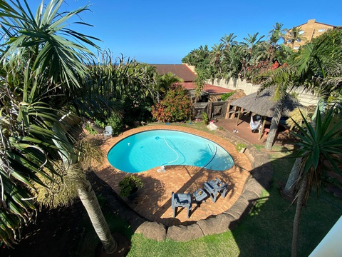 Pool area with BBQ/Braai area and lapa's
